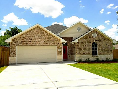 Houston tx 4 bedroom homes for sale for 8 bedroom house for sale in texas