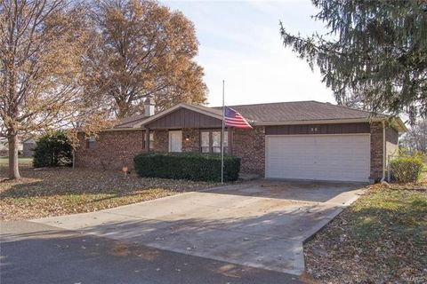 36 Eduardo Dr, Granite City, IL 62040