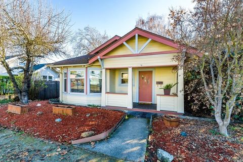 Photo of 79 W Valley St, Willits, CA 95490