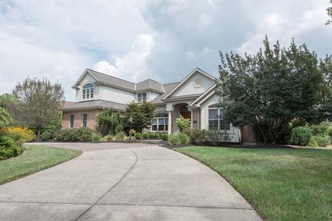 7532 Wetherington Dr, West Chester, OH 45069