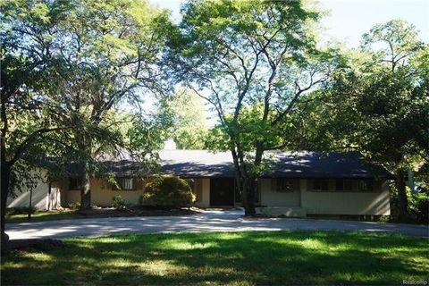 4121 Echo Rd, Bloomfield Township, MI 48302