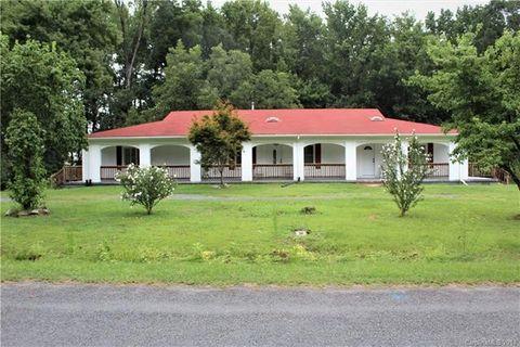 108 Lakeview Dr, Wadesboro, NC 28170