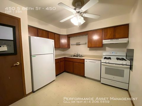 Photo of 450 S 86th St Unit 450, Milwaukee, WI 53214
