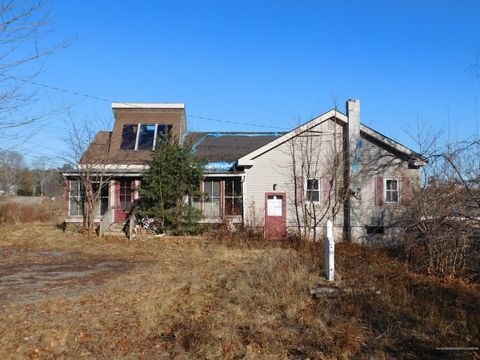 Photo of 1031 N Main St, Winterport, ME 04496