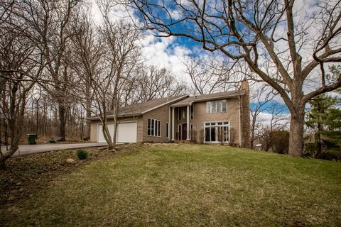 Photo of 2260 W Hill Rd, Muscatine, IA 52761