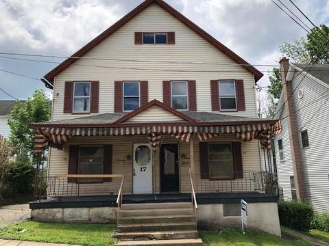 15-17 Oak St, Carbondale, PA 18407