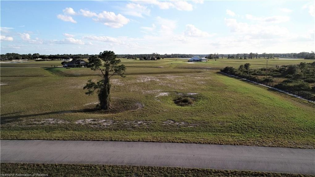 4013 Camp Shore Dr Sebring, FL 33875
