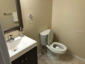 145 N Observatory Dr, Orlando, FL 32835   Bathroom