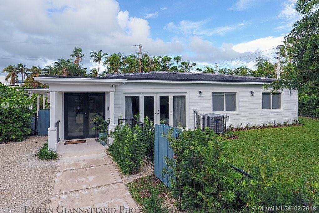 101 Woodcrest Ln, Key Biscayne, FL 33149