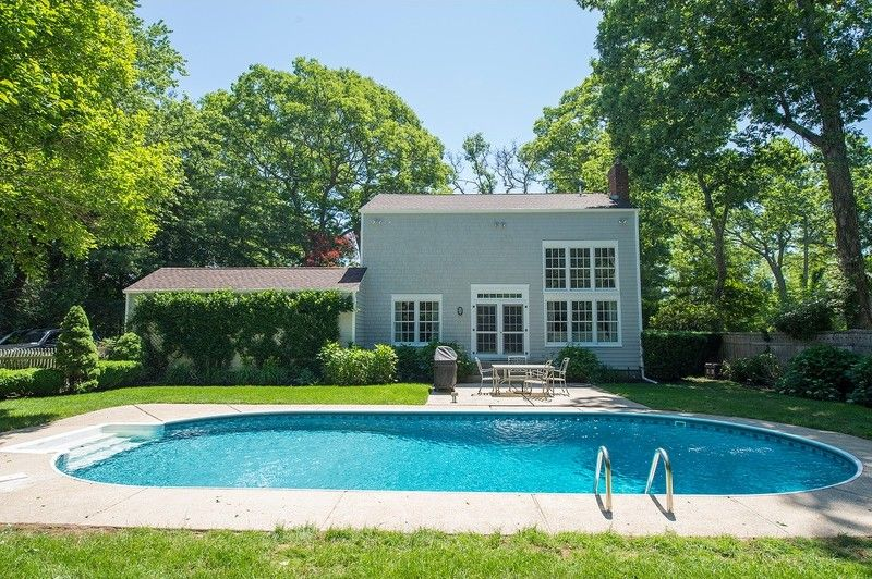 444 Scuttle Hole Rd, Water Mill, NY 11976