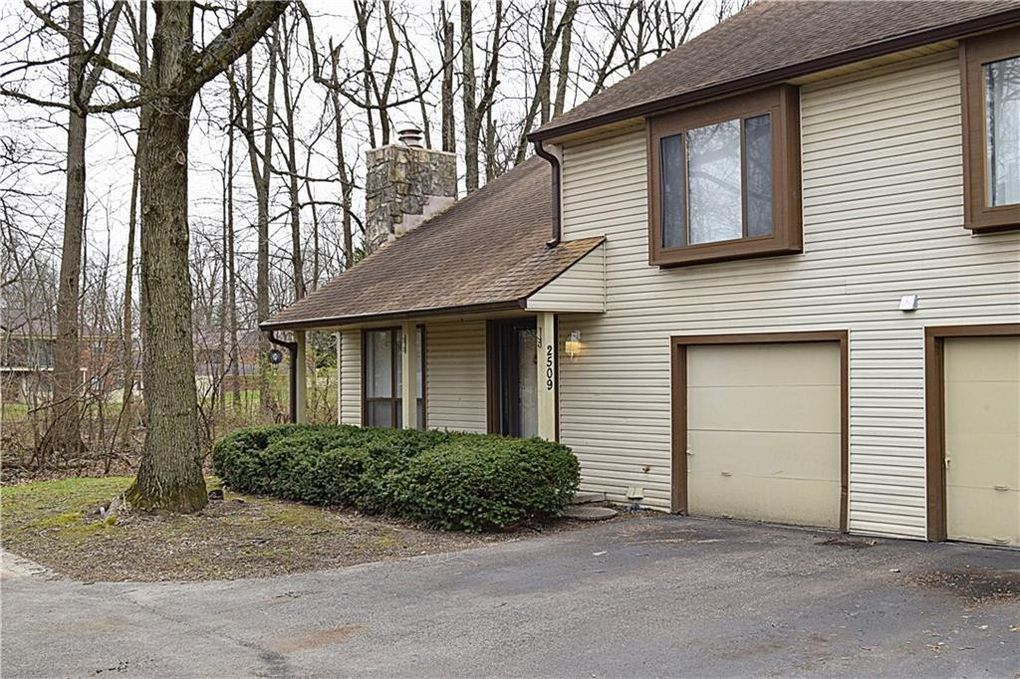2509 Hideaway South Dr, Indianapolis, IN 46268