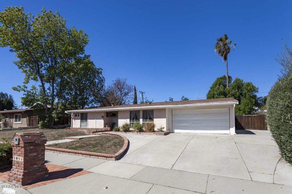 1085 Windsor Dr, Thousand Oaks, CA 91360