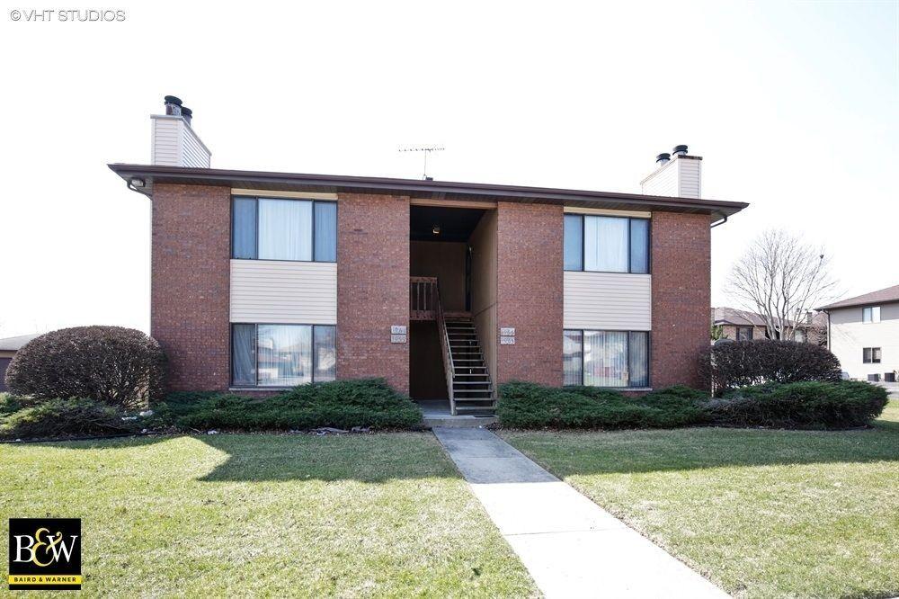 1061 Kane St, South Elgin, IL 60177
