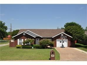 Photo of 1615 Southgate Dr, Brownwood, TX 76801