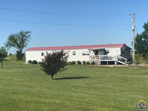 Photo of 990 Iris Rd, Burlington, KS 66839