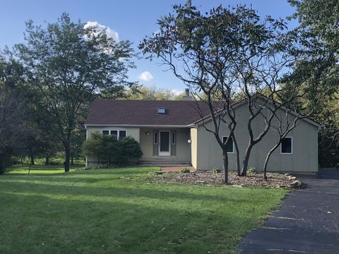Photo of 15 N645 Red Leaf Rd, Hampshire, IL 60140