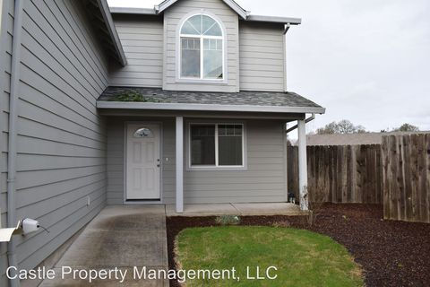 Photo of 85 Grace St, Lebanon, OR 97355