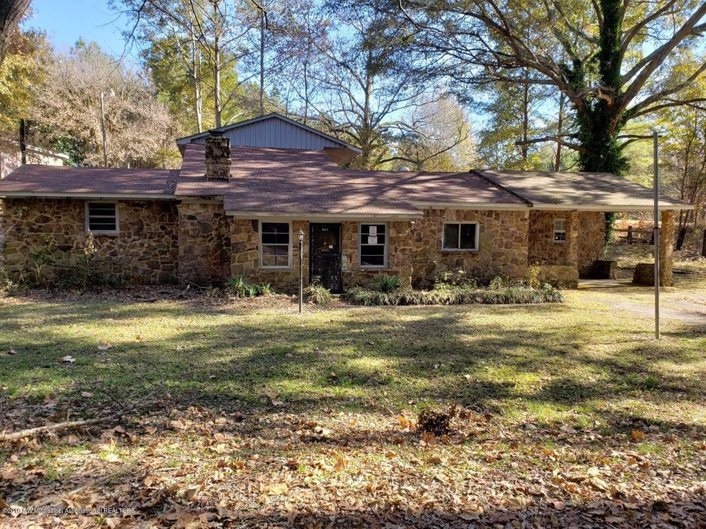 Erin Caffey House : Browse our collection of erin caffey information for news stories, slideshows, opinion pieces and related videos posted on aol.com.