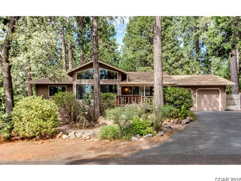 Photo of 5564 Silver Saddle Ct, Hathaway Pines, CA 95233
