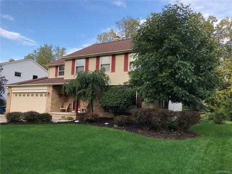 Photo of 35 Daven Dr, Amherst, NY 14068