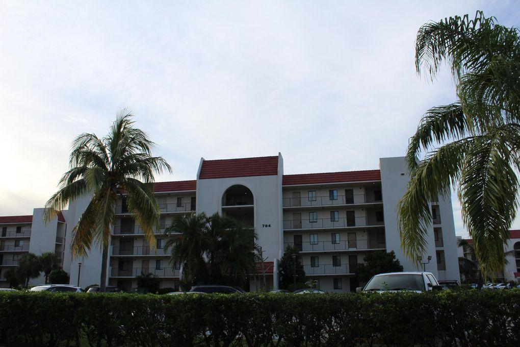 2788 Tennis Club Dr Apt 305, West Palm Beach, FL 33417