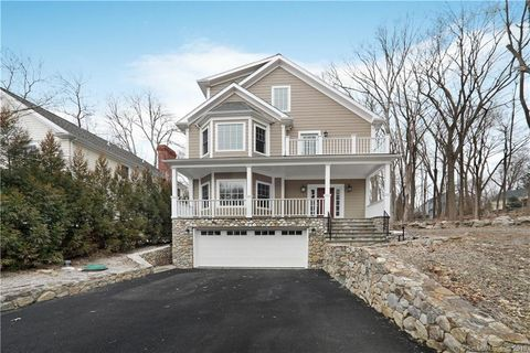 Photo of 30 Charles Pl, New Canaan, CT 06840