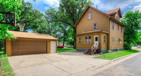 Photo of 116 Lincoln Ave, Gaylord, MN 55334