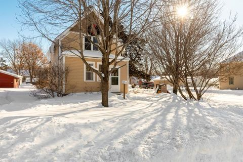 Photo of 201 Lincoln Ave N, New Prague, MN 56071