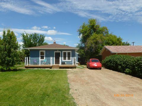 411 W 3rd St, Fairview, MT 59221