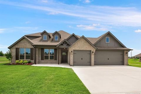 10257 S 218th Ave E, Broken Arrow, OK 74014
