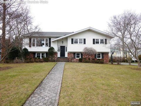 15 Old Stable Rd, Demarest, NJ 07627