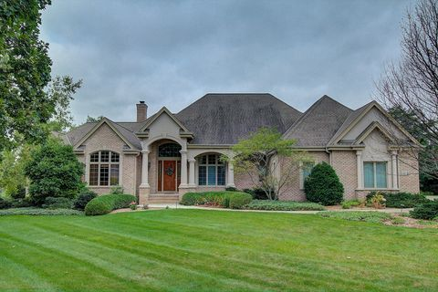 Photo of 122 Legend Way, Wales, WI 53183