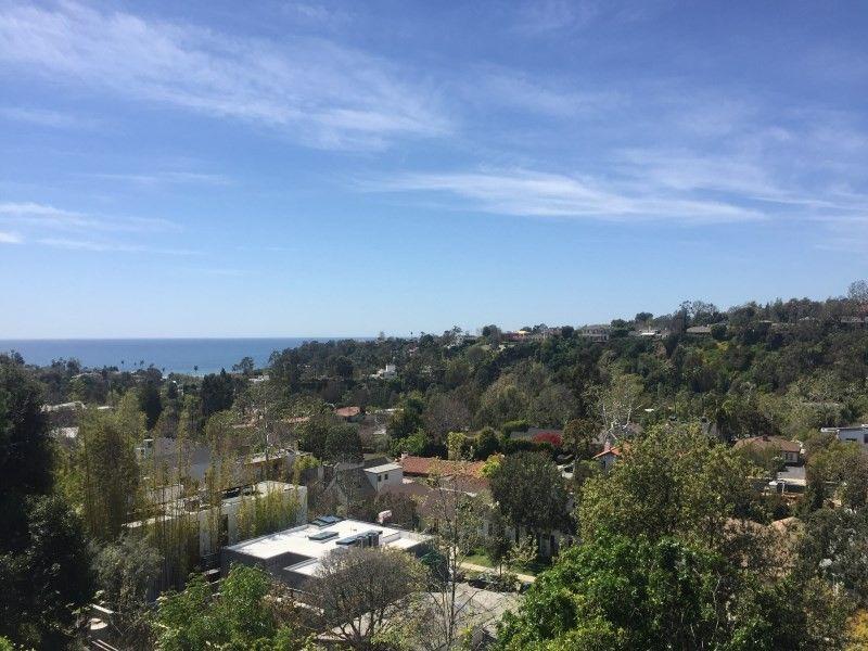110 Larkin Pl, Santa Monica, CA 90402