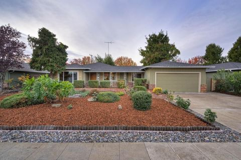 Photo of 715 S Daniel Way, San Jose, CA 95128