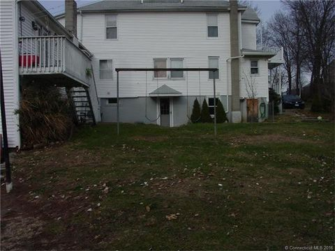 25 Linden St, Watertown, CT 06779