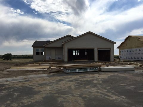 243 S 2nd Ave, Deer Trail, CO 80105