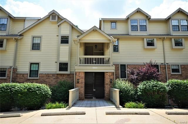 12950 Bryce Canyon Dr Apt B Maryland Heights, MO 63043