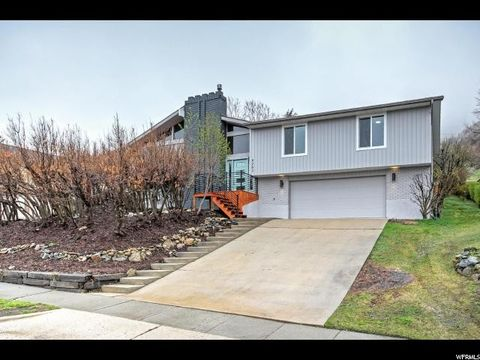 8263 S Top Of The World Dr, Cottonwood Heights, UT 84121