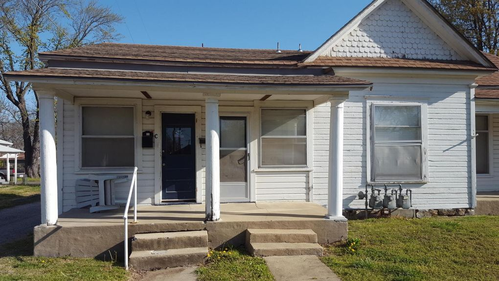 304 E 7th St_Pittsburg_KS_66762_M79797 55107 on Homes For Sale Pittsburg Ks