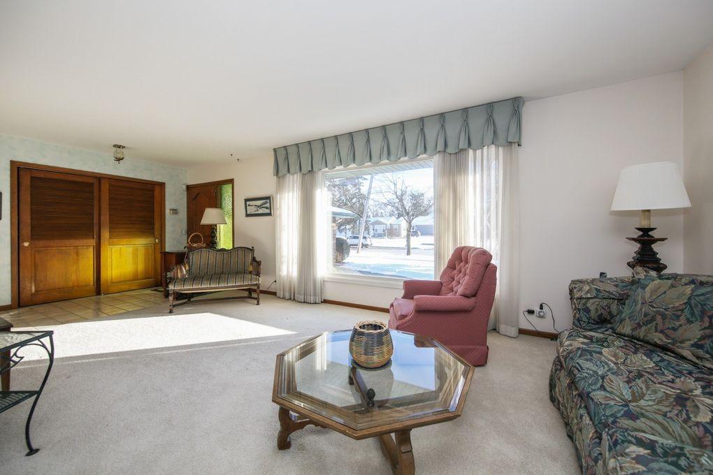 Charmant 362 W Madison St, Lombard, IL 60148