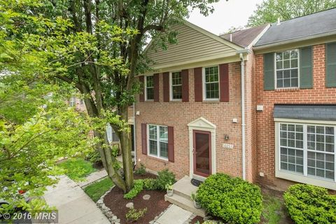 10257 Green Holly Ter, Silver Spring, MD 20902