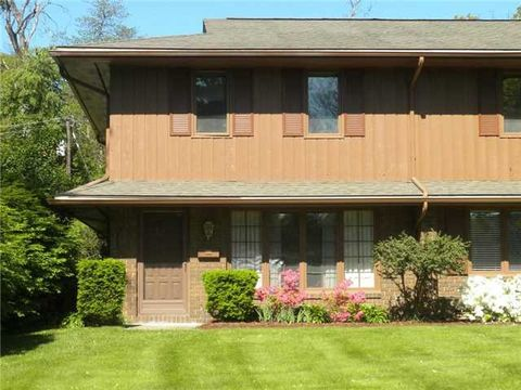 4045 Sherwood Forest Manor Rd, Toledo, OH 43623