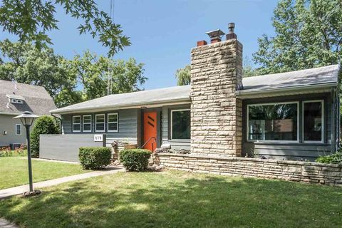 Photo of 619 2nd Ave, Iowa City, IA 52245