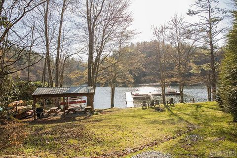 Photo of 632 Quiet Water Cove Rd, Cullowhee, NC 28723