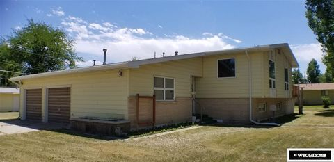 161 N 7th St, Basin, WY 82410