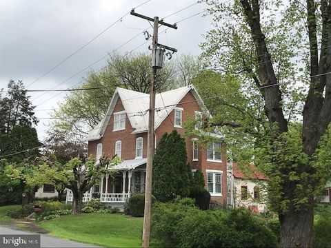 Photo of 123 Main St, Oley, PA 19547
