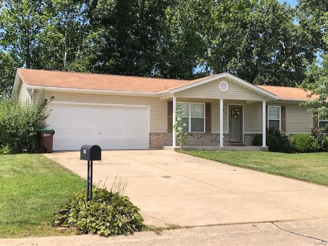 105 Parkway Dr Troy, MO 63379