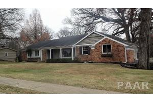 1905 Alameda Ct Pekin Il 61554 3 Beds 3 Baths Home