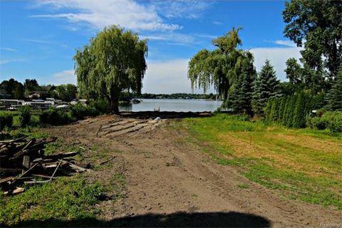 2450 Walnut Lake Rd, West Bloomfield Township, MI 48323