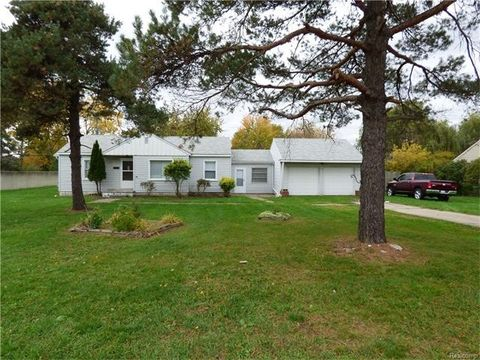 43083 Mound Rd, Sterling Heights, MI 48314